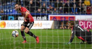 Juan+Mata+Huddersfield+Town+v+Manchester+United+Fmfz1W5bFdOx