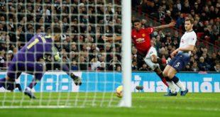 Premier League - Tottenham Hotspur v Manchester United