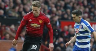 MANCHESTER, ENGLAND - JANUARY 05:  Scott McTominay of Manchester United in action with Liam Kelly of Reading during the FA Cup Third Round match between Manchester United and Reading at Old Trafford on January 5, 2019 in Manchester, United Kingdom.  (Photo by Tom Purslow/Man Utd via Getty Images)